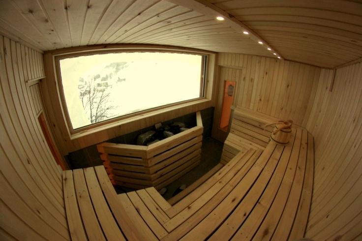 Original finnish sauna with a spectacular view towards Salbit and Schöllenen.