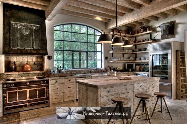 Стиль кантри в интерьере деревянного дома, деревянная отделка в интерьере дома, деревянная мебель в интерьере загородного дома