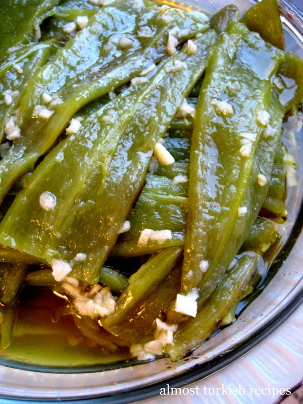 Almost Turkish Recipes: Green Peppers in Vinegar and Garlic Sauce (Sirkeli Biber)