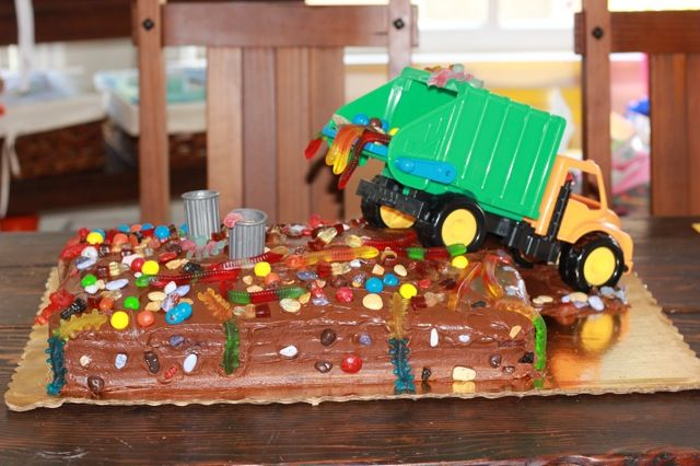 Garbage truck with dump. Dream cake if you're 3.
