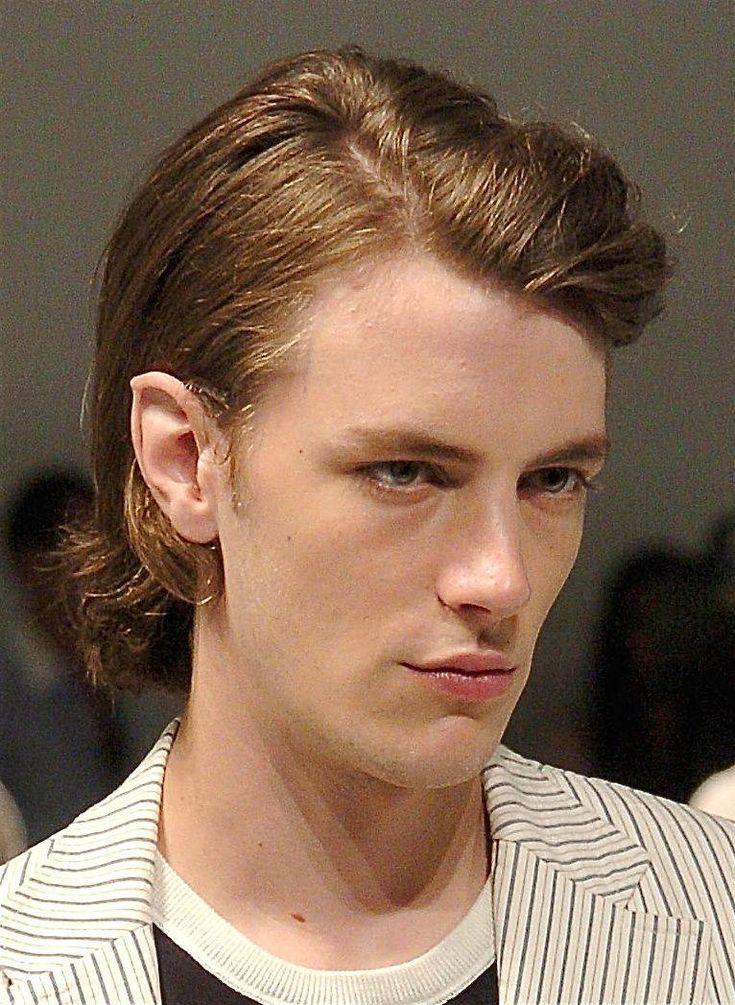 Facial hair in mid 40w