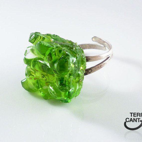 Anello vetro verde argento 925 per lei anello di LaTerraCanta https://www.etsy.com/it/treasury/NTY4MDg4NzJ8MjcyNTExMjQzMQ/fabulous-finds