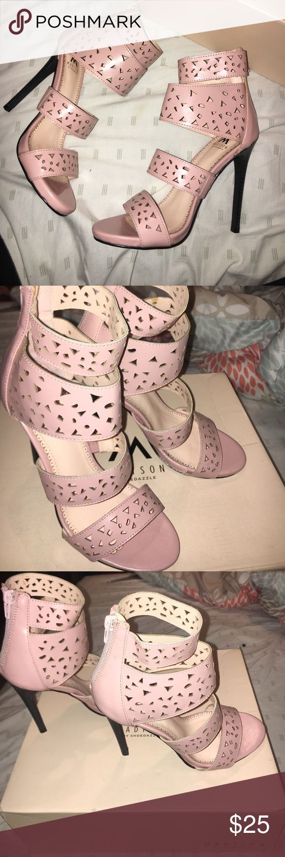 Shoe dazzle heels size 6.5 Cute light pink pumps, never worn still in box. Shoe Dazzle Shoes Heels