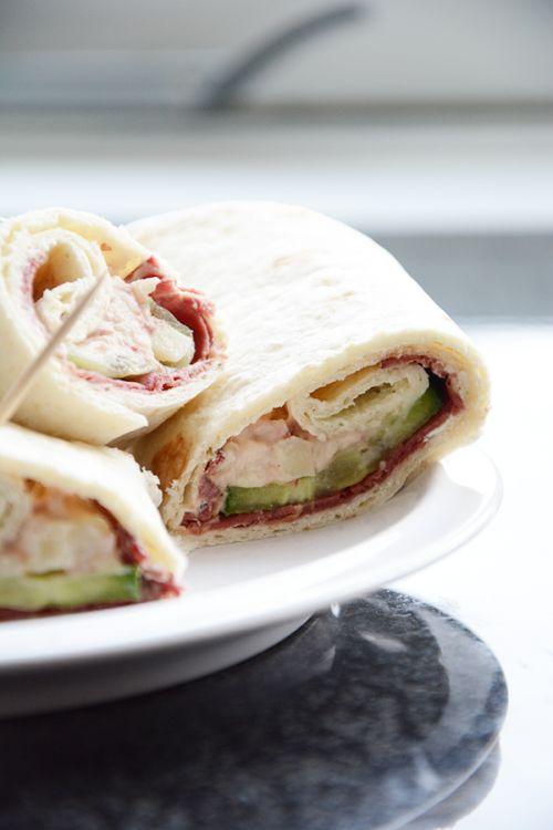 Wraps met rookvlees en rundvlees salade, heel erg lekker en eens iets anders.