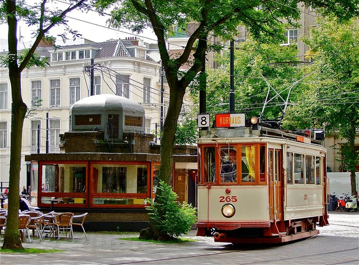 Old Tram l Coffee stand l Buitenhof l Den Haag l The Hague l Dutch l The Netherlands