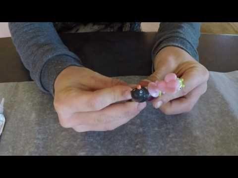 Make a fidget spinner with Stikeez