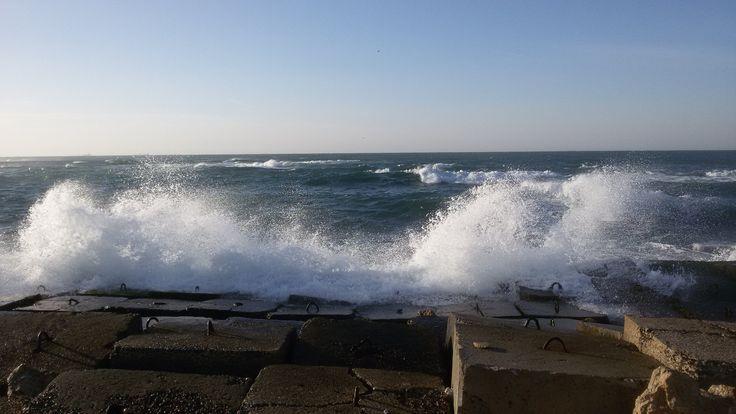 Splash wave on Alexandria Corniche (Egypt)