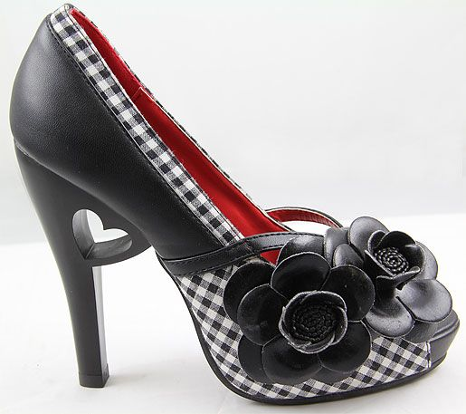 Can you stand the heart detail in the heel?? Make this your spring time black heels. Pair with some red toenail polish to really put things together.