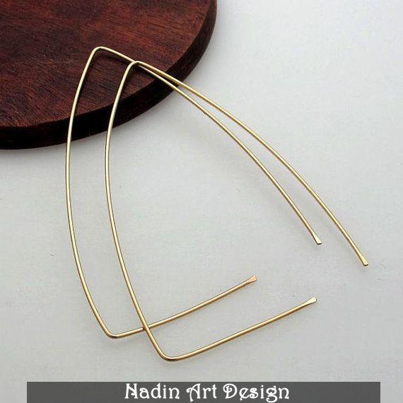 Große Dreieck Ohrringe / Moderne Goldcreolen von NadinArtDesign auf DaWanda.com