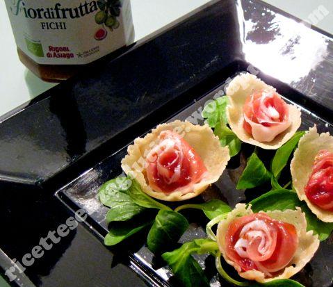 roselline di grana,con prosciutto crudo e fichi !!!
