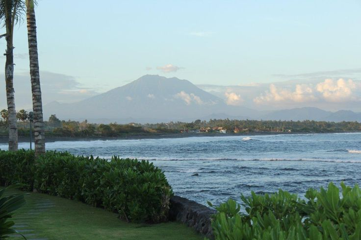 Anapuri Villas is a heavenly place to stay. The stunning view of Mount Agung, the highest mountain in Bali.