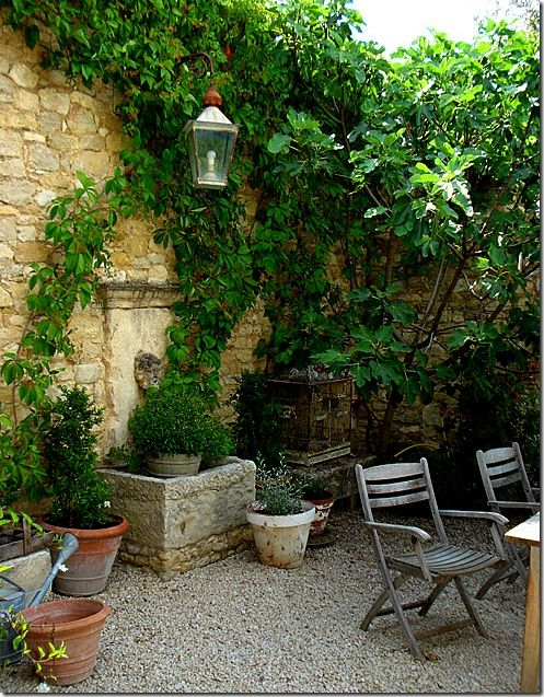 20 best ideas about outdoor wall fountains on pinterest for Italian courtyard garden design ideas