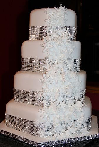hexagon wedding cake servings best 25 hexagon wedding cake ideas on hexagon 15218
