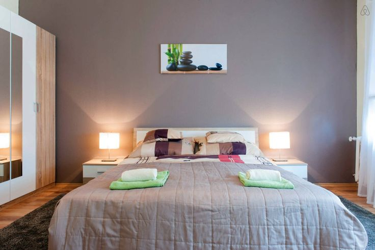 £27 per night Apartment in Budapest, Hungary. 5 minutes from the metro, which takes you to the airport. Easy access to the Heros' Square, Zoo, Parliament, Riverside etc