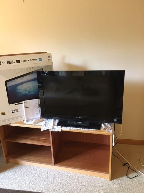Sony Bravia KDL-32BX420 32 1080p HD LCD Television w/M3B Stand