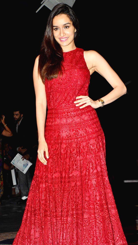 Shraddha Kapoor at Manish Malhotra's fashion show at Lakme Fashion Week Winter/Festive 2015