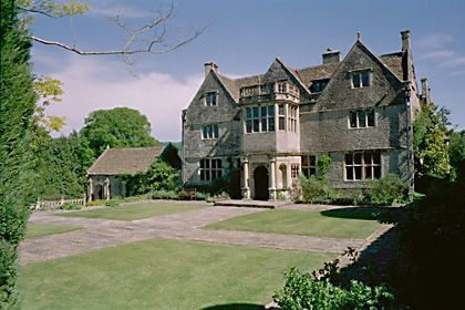 St catherine 39 s court jane seymour 39 s former home in for Catherines house