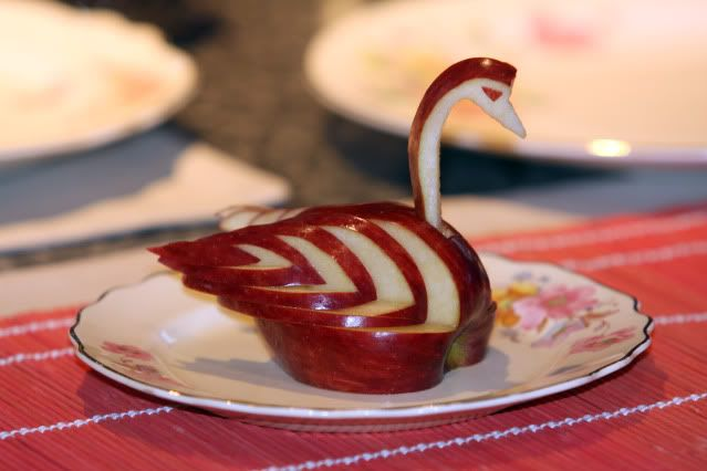 Apple Swan with how-to video