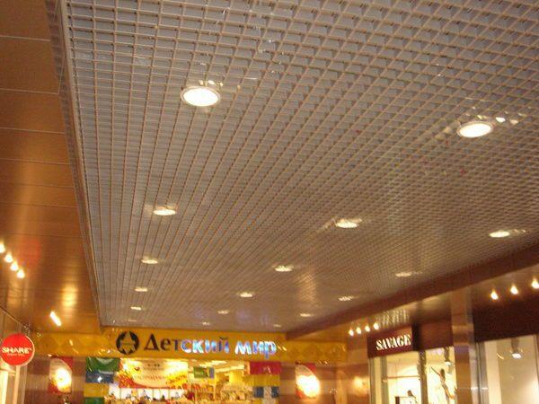 подвесной металлический потолок Грильято