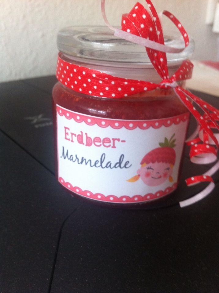 Erdbeermarmelade selbst gemacht.