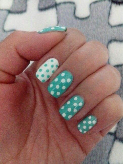 Ideas nail art  Visita www.facebook.com/volantisJD para ver más colores de esmaltes de uñas!