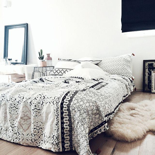 gomashioさんの、Bedroom,IKEA,寝室,ベッドルーム,ドレッサー,ローベッド,ZARAHOME,メイクコーナー,アンソロポロジー,Anthropologie,ボヘミアン,寝るとこ,実用的じゃないサイドテーブルについての部屋写真