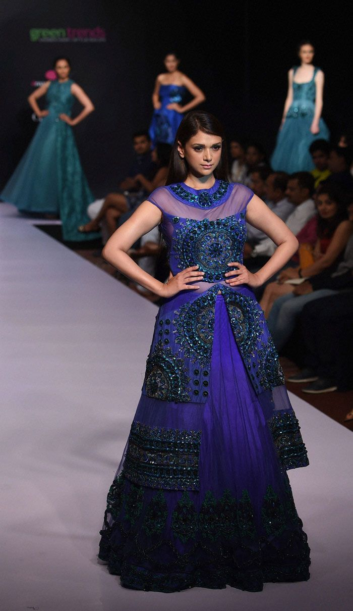 Aditi Rao Hydari showcases the creation of designer Lalit Dalmia during the first day of Bangalore Fashion Week in Bengaluru.