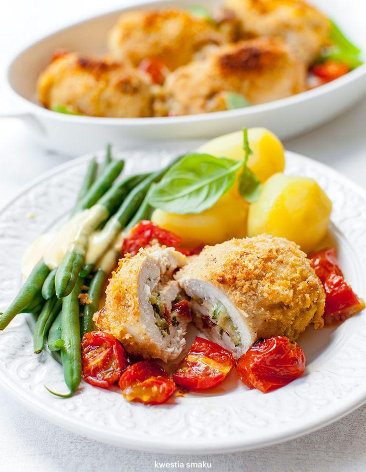 Roladki z kurczaka z cukinią i suszonymi pomidorami