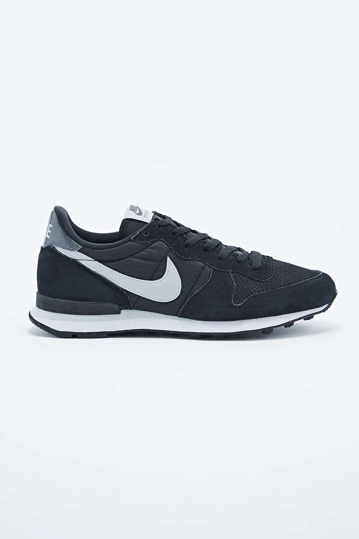 Nike Internationalist Trainers in Black