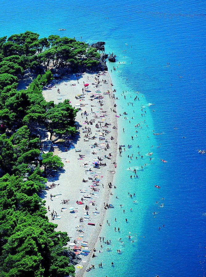 Punta Rata Beach in Brela, Croatia. Photo: Makarska Riviera Beaches #croatia #brela