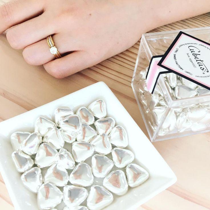 特別な日には、記憶に残る贈り物を。 ダイヤモンドの輝きに負けないくらい、ドラジェも輝いています��✨✨ #cubetas  #キュビタス  #大人のお菓子  #お菓子  #チョコレート  #chocolate  #グミ  #gummy  #大人可愛い  #可愛い  #スイーツ  #グミ  #プチギフト  #gift  #博多マルイ  #仙台フォーラス  #wedding  #weddinggift  #ウェディング  #ウェディングギフト  #アルジャンハート #ダイヤモンド #ミニギフト  #パケ買い  #フランス産  #婚約指輪 #結婚 #結婚式 #輝き #ブライダル #ブライダルギフト http://gelinshop.com/ipost/1517328634149749546/?code=BUOolqGBkMq