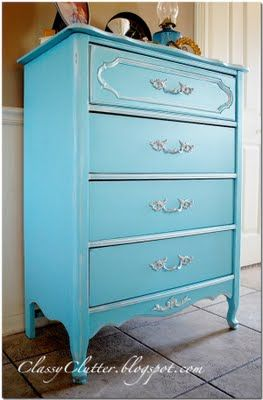 Spray paint furniture in 5 easy stepsDresser Makeovers, Sprays Painting, Spray Paint Furniture, Painting Furniture, Old Dressers, Dressers Makeovers, Tiffany Blue, Classy Clutter, Blue Dressers