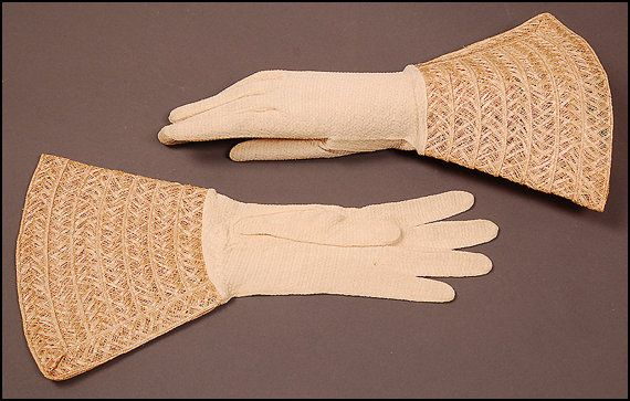 30s 40s gauntlet gloves off white beige by SwingingSeamstress