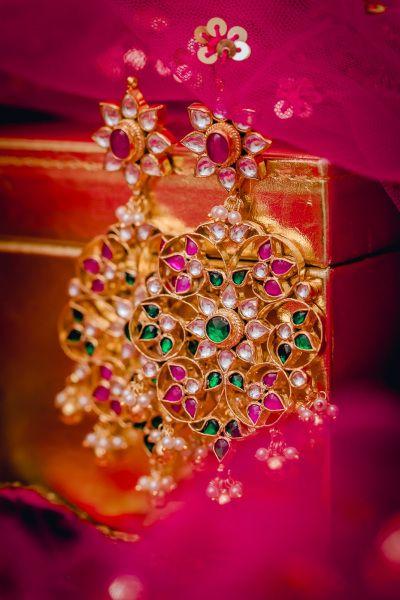 Indian Wedding Jewelry - Kundan Earrings | WedMeGood #indianjewelry #indianbride #jewelry #weddingjewelry #earrings #kundan