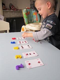 Cijfers leren met een stok kaarten