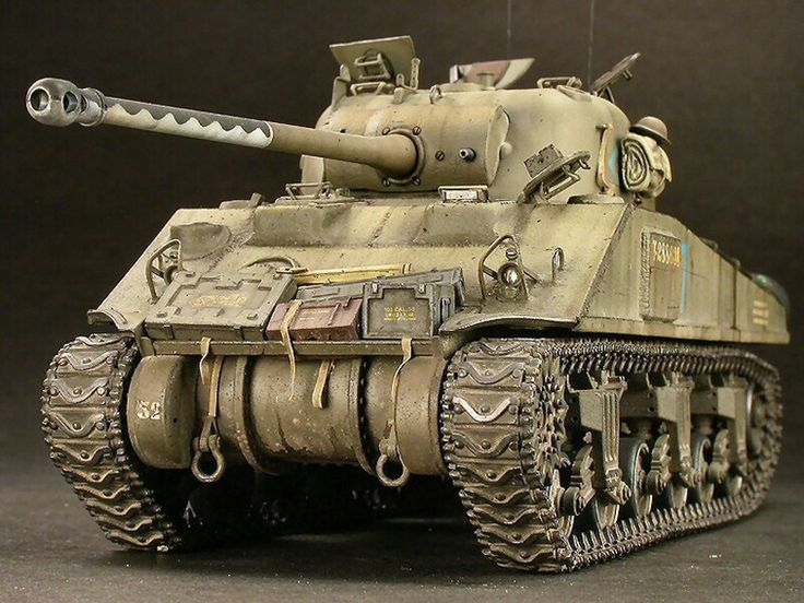 This tank is the Sherman Firefly. Armed with the 75 high velocity gun, it was comparable to German heavy tanks such as the Tiger or Panther. It was in service in late 1944 and 1945.