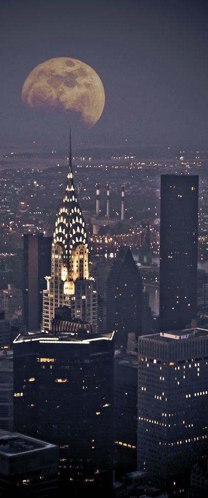 Full moon in New York, USA