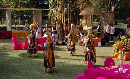 Jaipur wedding venue v/s http://www.kkroyalhotels.com/contactus.php