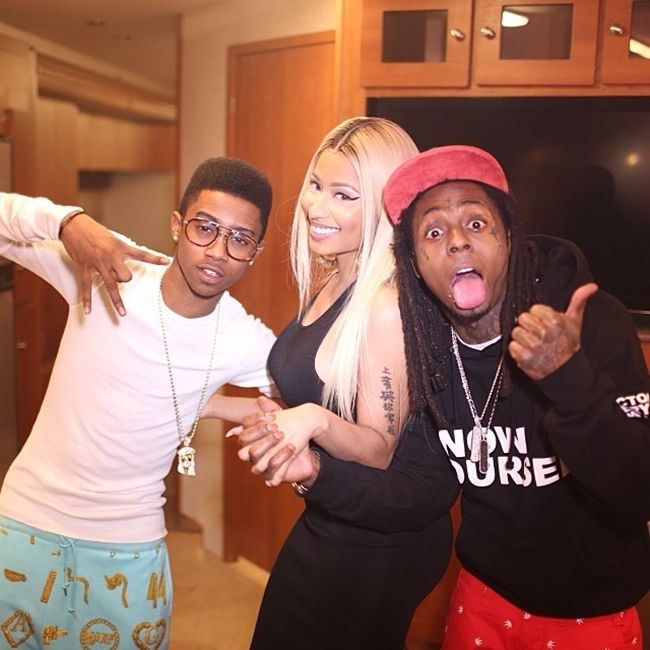 """[Watch] YG - 'My Hitta (Remix)' (BTS) #Getmybuzzup- http://getmybuzzup.com/wp-content/uploads/2014/01/my-nigga-remix-shoot-6.jpg- http://getmybuzzup.com/yg-my-hitta-remix-bts/- YG – 'My Hitta (Remix)' (BTS) ByAmber B Civil TV takes you on set of YG's """"My Hitta (Remix)"""" with an exclusive behind-the-scenes look of the all black everything video shoot. With DJ Mustard on the beat, YG recalls hearing the instrumental for the first time ...- #"""