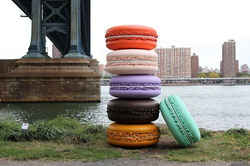 Macaron, Sculpture by Daisuke Kiyomiya, Brooklyn, DUMBO Arts Festival.