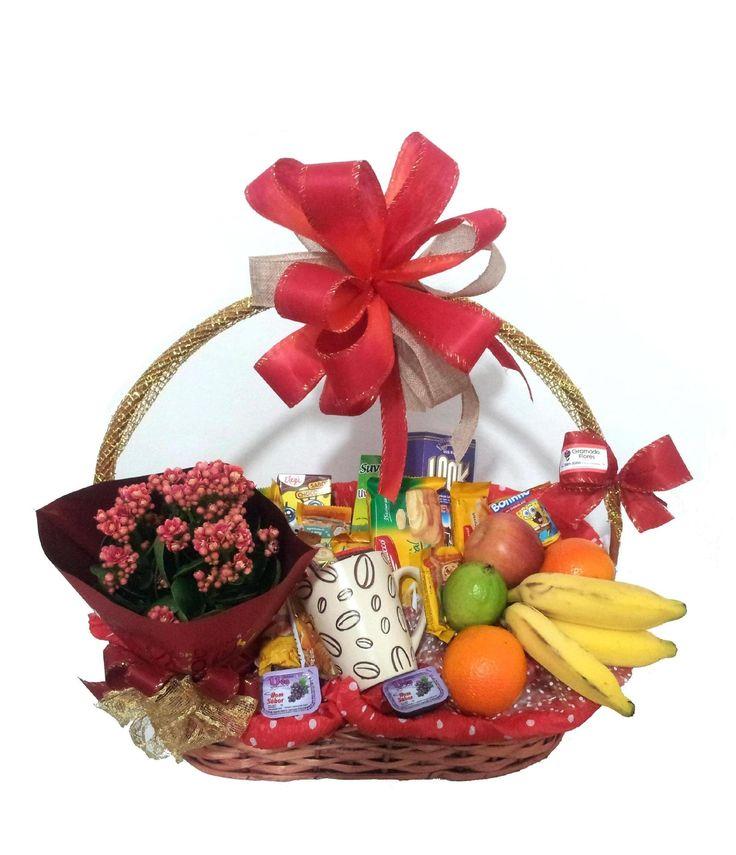 Cesta de café da manhã com flores e frutas, a venda no site