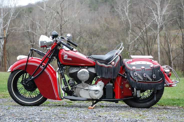 1945 Indian Chief http://www.facebook.com/pages/Indian-Chief-Legend/505680782803314 What is the difference beetween Indian and Harley? Harley is for sell Share the love :)