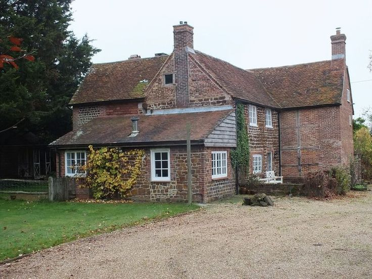 6 Bedroom House For Sale Ref. HFS1635 Location Hampshire, England Asking Price £1,150,000,#Ownersellers , #Online Estate Agency #Free Online Estate Agency #Online Houses for sale #Selling your house online #Free Property Valuation online #Online Estate Agent #Ownersellers