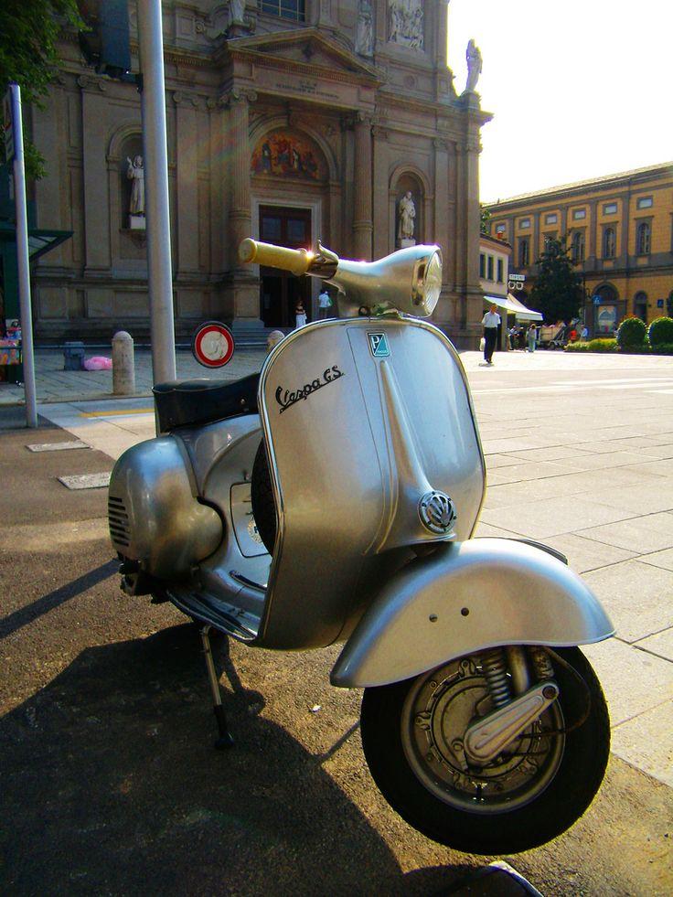 Piaggio Vespa GT 150   Flickr - Photo Sharing!