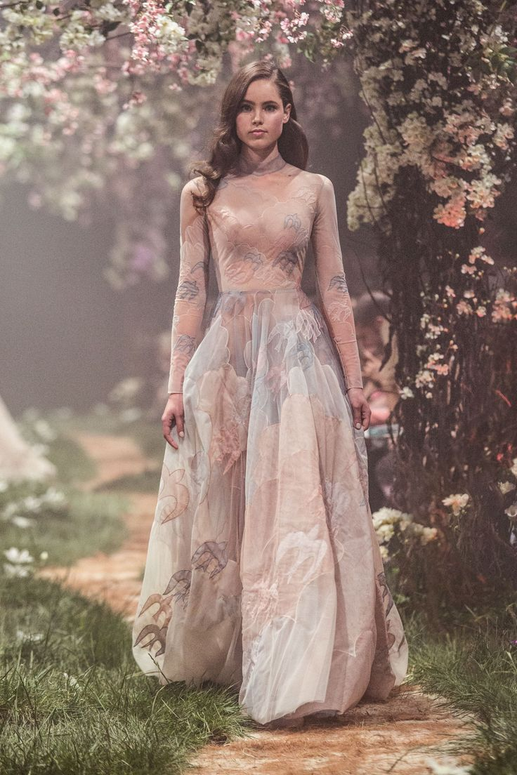 PSS/S1831 – Sleeved gown with nightingale and cloud cut work embroidery