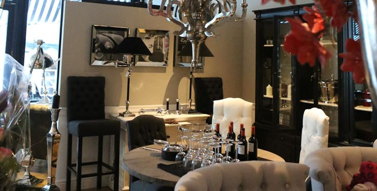 Cottagehomeart showroom design new age interior design for Interior design ausbildung