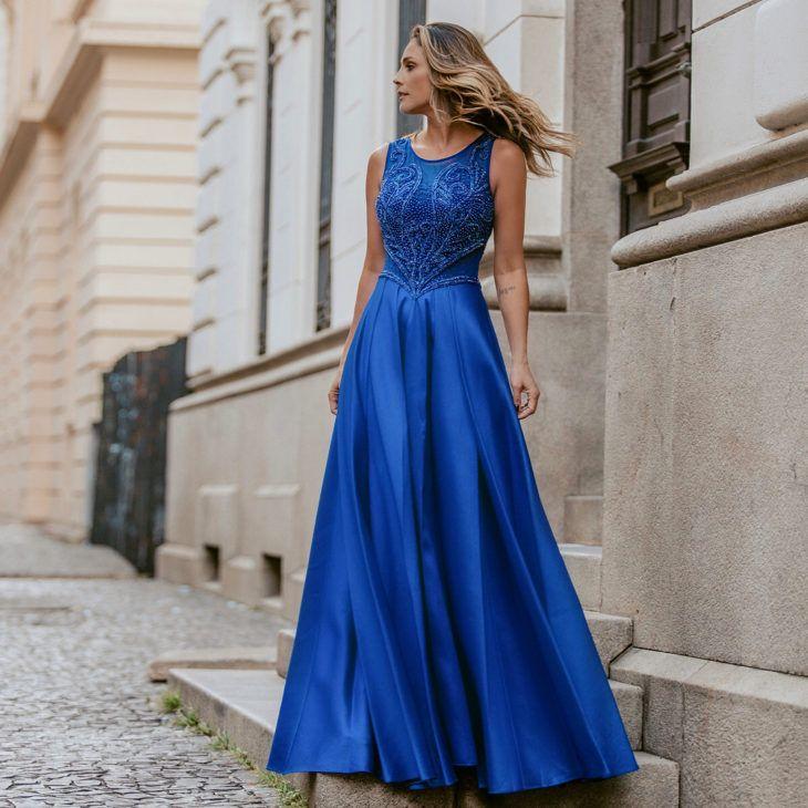 1f4aaca31b Vestido azul royal: 60 fotos com a peça para abraçar essa tendência Vestidos  Madrinha Azul