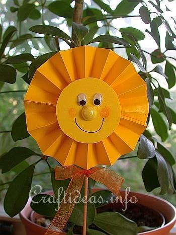 Summer Craft for Kids - Sunshine Plant Stick