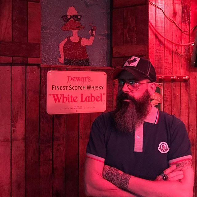 Primera noche de vacaciones🌞 barbudos🎩 y voy a mojar la garganta toda la noche 🌒, vamossss 😈💪#beard #beards #bearded #barbers #beardedmodel #oilbeard #beardie #tatto #tatuajes #beardedlifestyle #beardedmovement #barbershop #beardoil #barba #barbudo #skulltattoo #skull #skullbeard #beardedselfie #beardedman #likeforlike #beardlook #beardlove #beardednation #beardedbeauty #tattoorose #barbero #goorinbros #instastyle #instabeard
