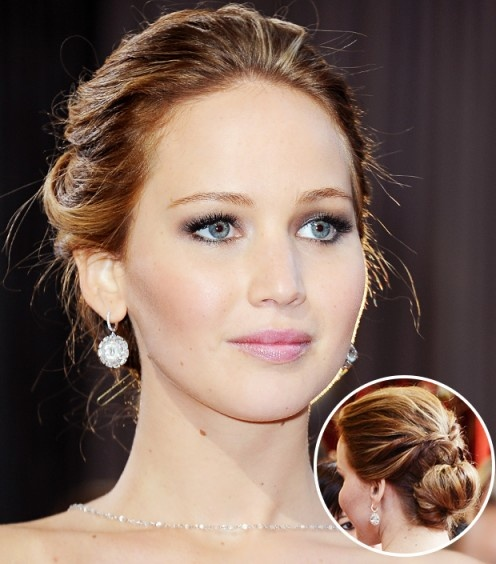 Score Jennifer Lawrence's winning #Oscar night hair with this how-to from her hair stylist.